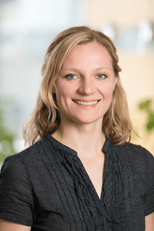 Kristin Parlow__Moderatorin_Profilbild_Dialoggestalter